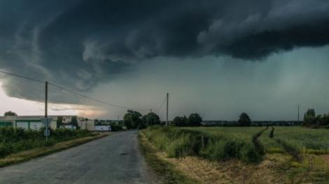 Grindină, vijelii și ploi torențiale! Meteorologii anunță Cod galben în 16 județe din România