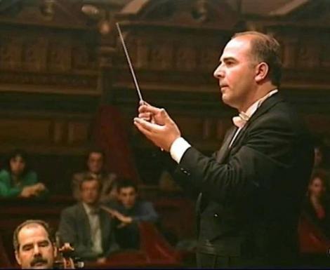 Dirijor român al Filarmonicii George Enescu, mort de Covid la 55 de ani. S-a stins după trei săptămâni de la contactarea virusului
