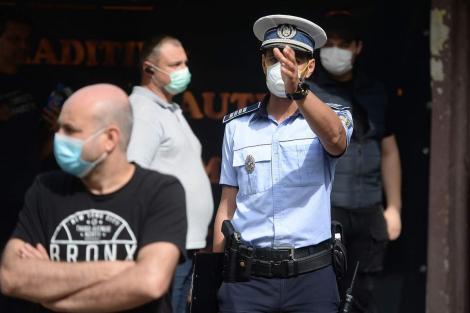 Masca devine obligatorie pe stradă și în România. Județul Argeș, primul care impune această măsură