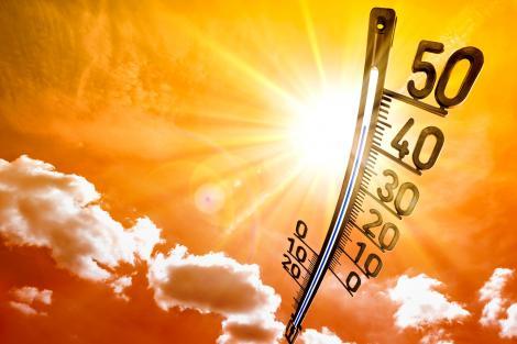"""Val de caniculă, în România. Meteorologii anunță temperaturi de 45 de grade: """"Suntem sub influența unui val de aer tropical ce se va intensifica"""""""