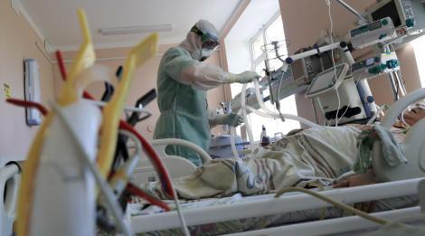 Explozie îngrijorătoare a numărului de cazuri! Pacienții bolnavi se înmulțesc alarmant! Alte 35 pe persoane au murit în 24 de ore