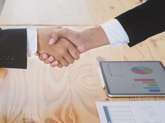 Coletăria.ro și StockBinder intră în parteneriat pentru a sprijini magazinele online românești în zona logistică și de automatizare a stocurilor