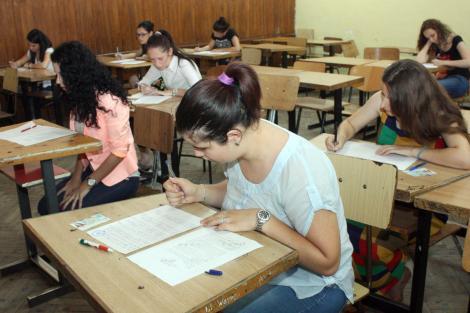 Veste bună pentru elevi! Scade numărul de ore! Cu cât ar putea fi redus timpul petrecut la școală