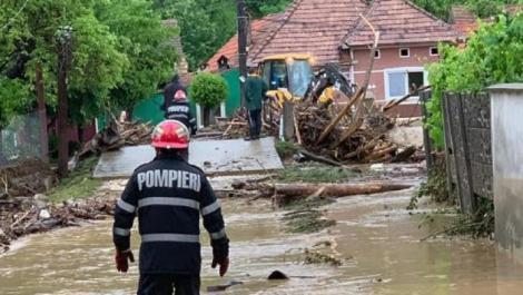 Ploile torențiale fac prăpăd în România. Hidrologii au emis Cod portocaliu de inundații, valabil până joi noapte. Care sunt zonele afectate