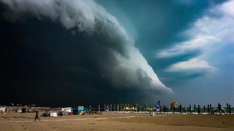 Norul Shelf. Imagini fantastice pe cerul din Mamaia