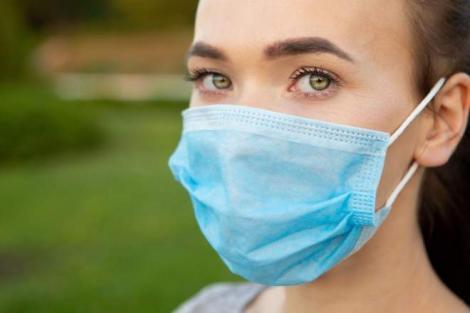 Lista județelor în care masca de protecție a devenit obligatorie și în spațiile deschise