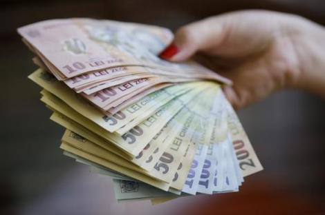 Se dau 2.500 de lei de la stat. Mii de români pot beneficia. Ce trebuie să faci