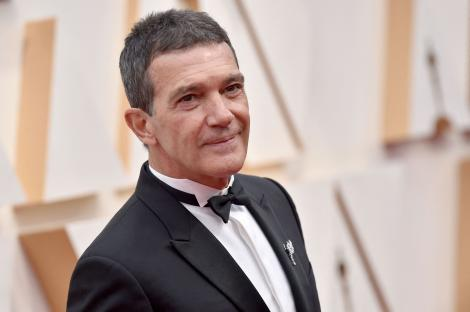 """Antonio Banderas are coronavirus: """"Sunt obosit!"""" Actorul se află în categoria de risc. Care este starea de sănătate a acestuia"""