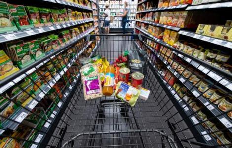 Scumpiri alarmante în România! Cu cât au crescut prețurile la alimentele de bază din cauza pandemiei