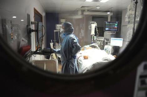 Explozie de cazuri de coronavirus în România, în ultimele 24 de ore. Sunt peste 73.000 de persoane infectate, iar numărul bolnavilor de la ATI a urcat la 480