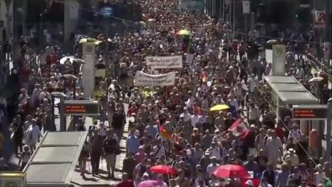 Proteste masive în Germania! Restricțiile pe timp de pandemie, contestate de mii de oameni