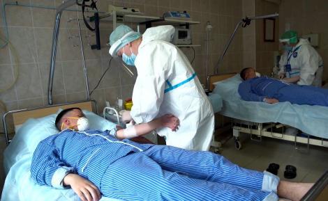 Peste 1.300 de cazuri de coronavirus în România, în ultimele 24 de ore. Sunt 48 de morți și numărul bolnavilor de la ATI a explodat
