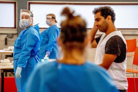 Numărul de cazuri de coronavirus rămâne ridicat în București. Care sunt județele care au raportat cele mai puține infecții cu COVID-19