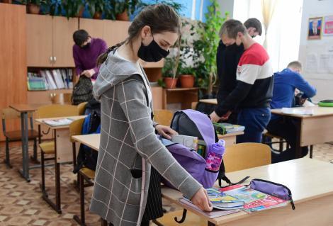 """""""Vom avea focare în școli și grădinițe. Copiii vor duce boala acasă"""" Noul an școlar înseamnă riscuri uriașe"""