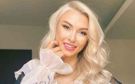 Sexy mama! Andreea Bălan s-a afișat în costum de baie. Artista arată senzațional după două nașteri | Foto