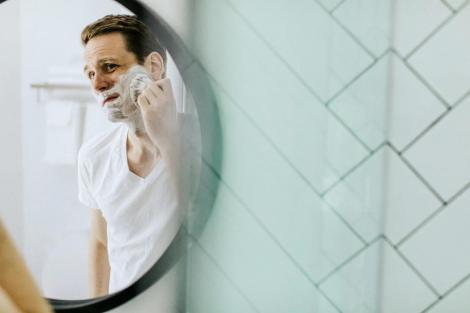 Cum previi tăieturile, când te bărbierești