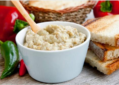 Salată de vinete cu iaurt și usturoi. Rețetă de vinete din bucătăria turcească
