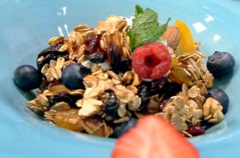 Cum se prepară Granola acasă și ce beneficii are asupra organismului
