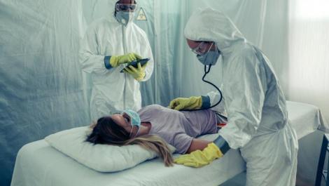 """Coronavirusul a suferit mutații. Avertismentul crunt al unui pneumolog: """"Virusul e tot mai agresiv, pacienții vin cu forme severe!"""""""
