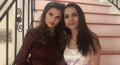 Alina și Ramona Gabor, parastas în memoria părinților! Motivul pentru care Monica nu a venit