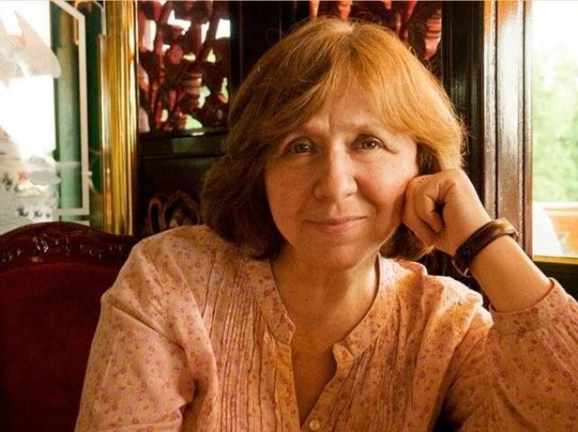 Uniunea Scriitorilor din România, solidară cu laureata premiului Nobel pentru Literatură Svetlana Alexievici