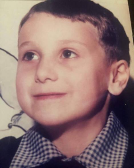 """Neatza cu Răzvan și Dani: """"Prima zi de școală m-a scăpat de biberon. Beam numai seara, mă liniștea!"""" """"Eu am avut ghiozdan roșu""""..."""