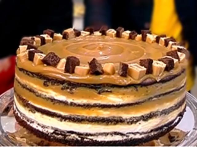 Rețetă delicioasă de tort cu caramel sărat