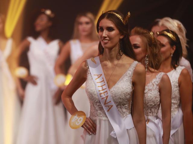 Cum arată participantele la concursuri de Miss fără machiaj și farduri. Adevarul despre cele mai frumoase femei ale lumii