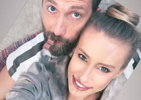 """Iubita lui Dani Oțil, poză spectaculoasă în bucătărie: """"Se zice că în perioada asta nu ești gospodină dacă nu miroși a zacuscă"""""""