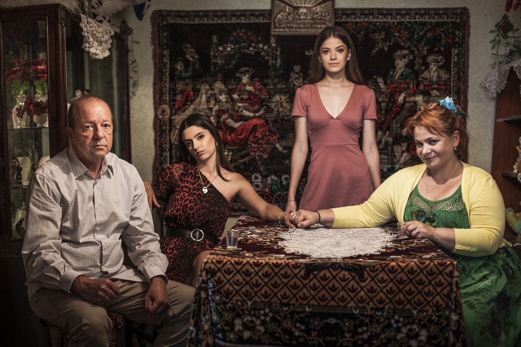 Anca Sigartău şi Marian Râlea fac parte din distribuţia serialului Adela, de la Antena 1