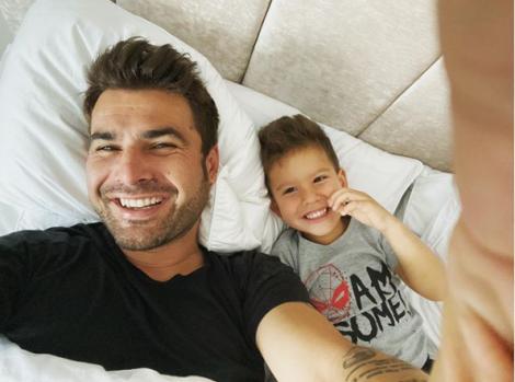 """Ce familie fericită are fotbalistul Adrian Mutu. Imaginea cu soția și fiul """"Briliantului"""" care a strâns mii de like-uri"""