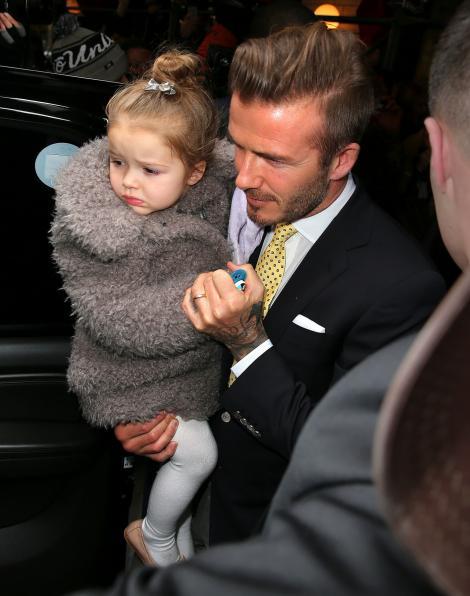 A crescut și s-a transformat într-o domnișoară frumoasă! Cum arată Harper Beckham, fiica soților Beckham