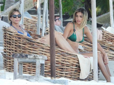 Soția și fiicele lui Sylvester Stallone au făcut spectacol pe plajele din Mexic. Cum au fost fotografiate