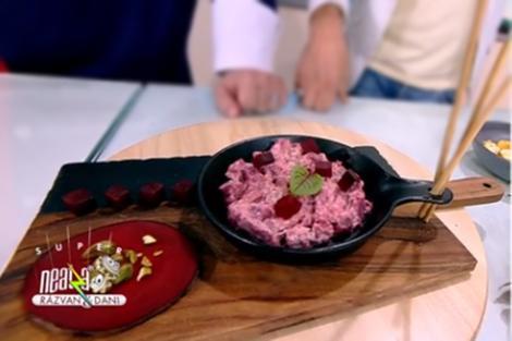 Salată de sfeclă roșie cu rasol de vită. Salată de toamnă din bucătăria lui Vlăduţ