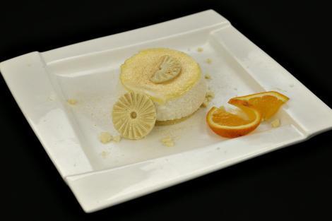 Mousse de ciocolată albă cu portocală și lemon crud