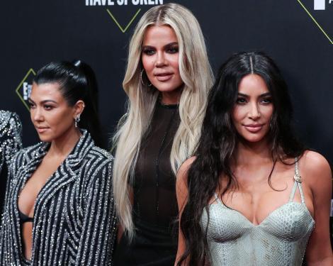 Crezi că au viața perfectă? Iată 10 motive pentru care viața surorilor Kardashian nu e de invidiat