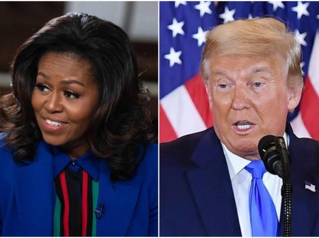 Michelle Obama, într-un sacoul de culoare albastră și Donald Trumo, îmbrăcat la costum, cu steagul SUA în spate și vorbind la microfon