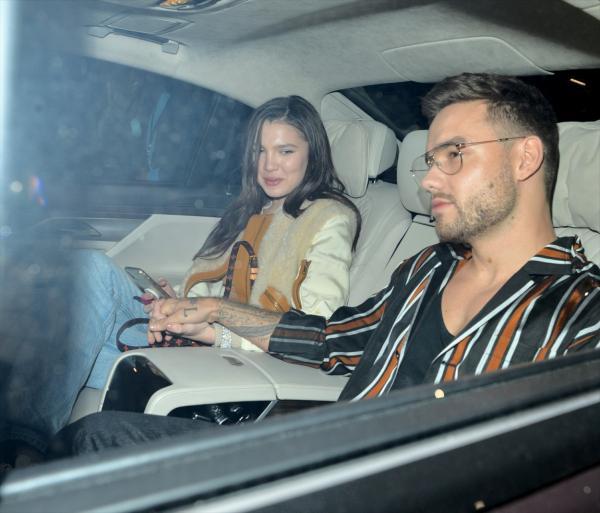Liam Payne și Maya Henry, fotografiați în mașină de paparazzii după o cină în oraș