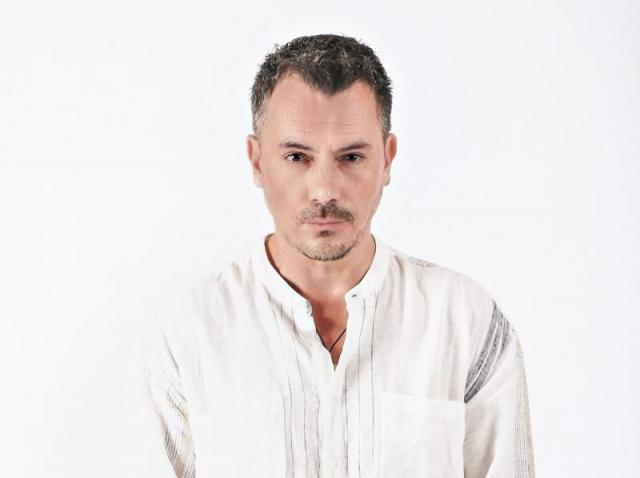 """Cum arăta Răzvan Fodor în urmă cu 21 de ani. Prezentatorul sucea mințile a mii de femei: """"Am găsit această capodoperă"""""""