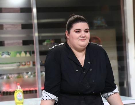 Claudia Radu in platoul emisiunii Chefi la Cutite