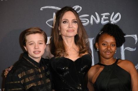 Shiloh Jolie-Pitt, alături de Angelina Jolie și Zahara Jolie-Pitt