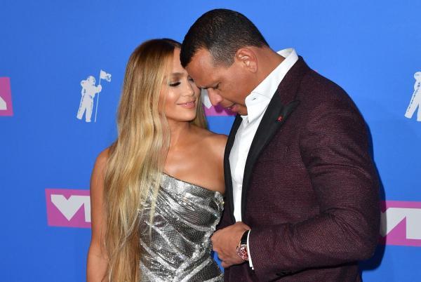 Jennifer Lopez alături de logodnicul său, Alex Rodriguez