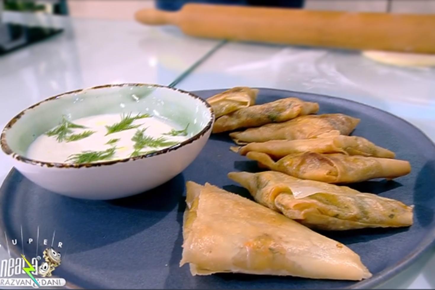 Rețetă de pachețele cu picioci de cartofi și sos de iaurt, preparată de Chef Nicolai Tand la Super Neatza