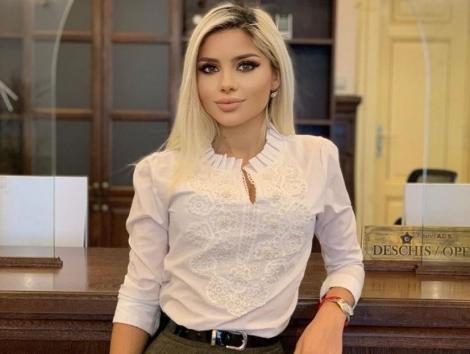 """Cristina Șchiopu, fosta concurentă de la """"iUmor"""" face senzație în mediul online. În ce ipostaze sexy se lasă fotografiată"""