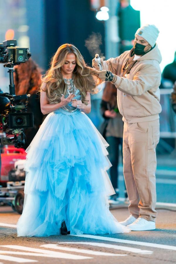 Jennifer Lopez, imagini surprinse de paparazzi