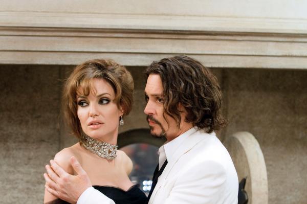 Angelina Jolie si Johnny Depp, captura din filmul the tourist