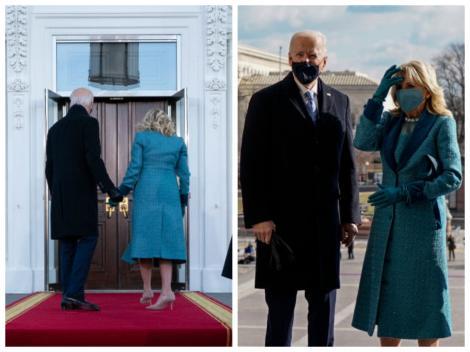 Joe Biden, îmbrăcat la costum și Jill Biden, cu un palton albastru, în fața unor uși închise, la Casa Albă