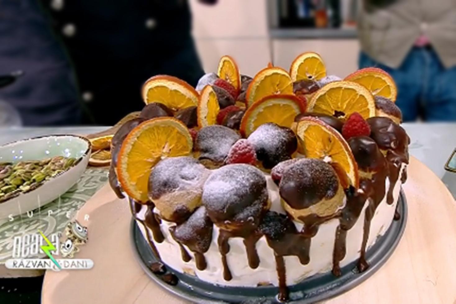 Rețetă de tort cu pișcoturi și cremă de frișcă cu portocale, preparată de Vlăduț la Neatza cu Răzvan şi Dani