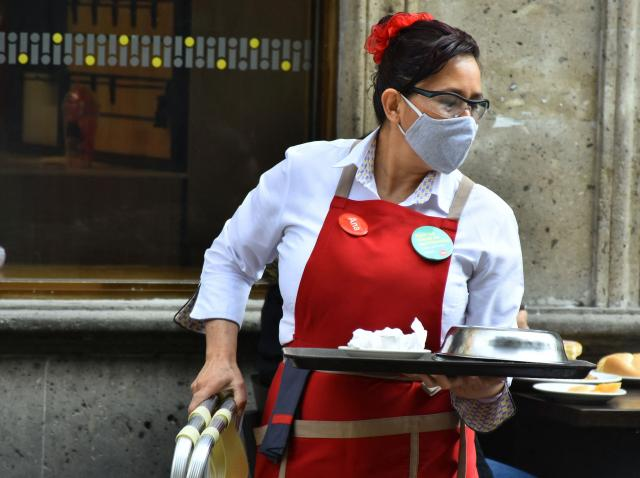 Se redeschid restaurantele, barurile, cinematografele și sălile de jocuri din București. În ce intervale orare vor funcționa