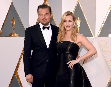 Kate Winslet, Leonardop Dicaprio, covor rosu, Oscar, amandoi imbracati in negru